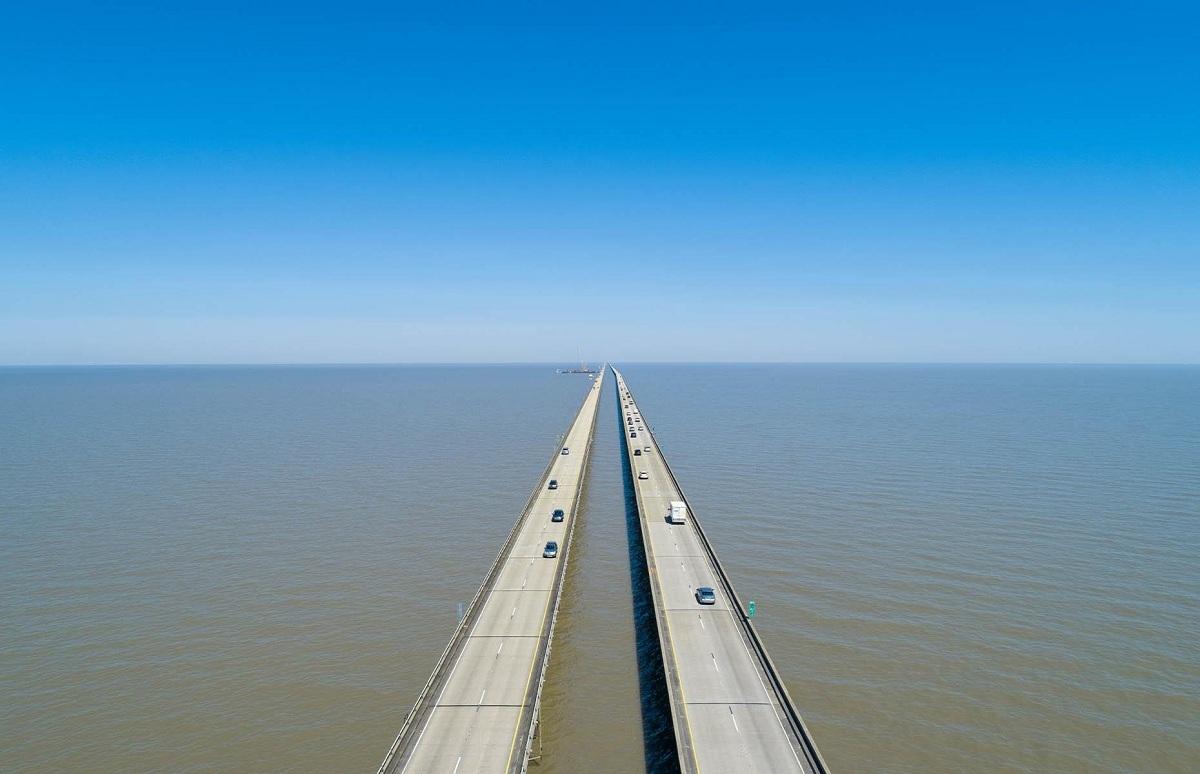 Cầu vượt hồPontchartrain. Ảnh: Road Trippers.