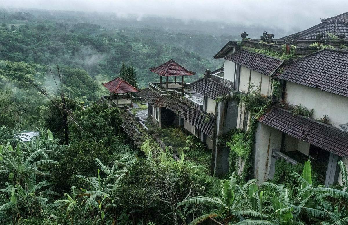 Với vị trí đắc địa, quy mô xây dựng lớn, nhiều du khách tin rằng nếu Ghost Palace được hoàn thiện và mở cửa đón khách, nơi đây sẽ là địa điểm lý tưởng để sống ảo vì có nhiều góc chụp ảnh đẹp. Ảnh:Atlasobscura.