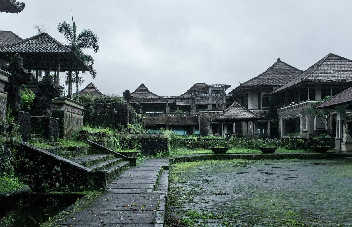 Kiến trúc của khách sạn mang đậm hơi thở của văn hóa Indonesia. Ảnh:Atlasobscura.