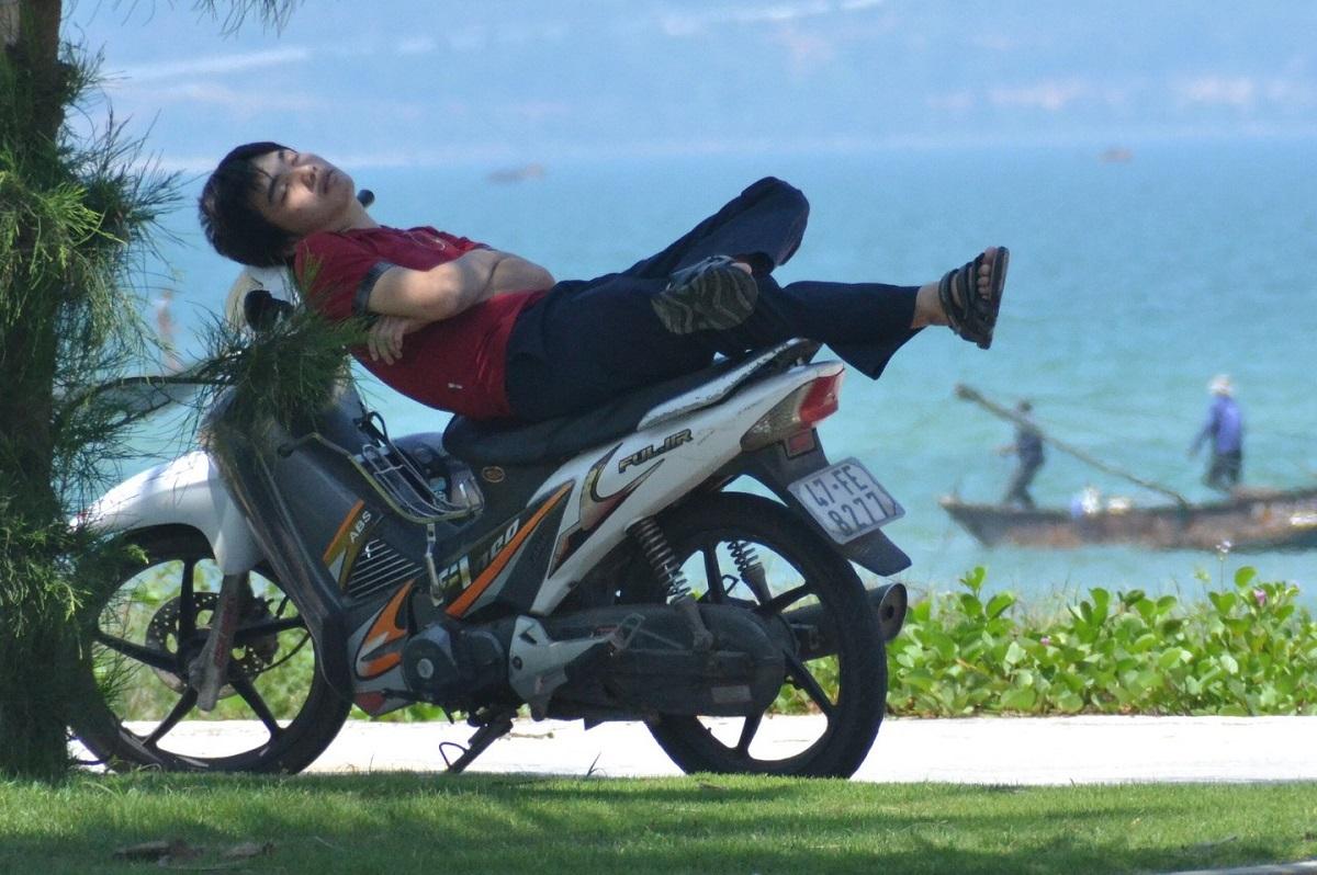 Những hình ảnh người nghỉ trưa gây ấn tượng với du khách. Ảnh:Loi Nguyen Duc/Flickr.