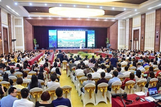 Hội nghị Giới thiệu thời điểm vàng để khám phá du lịch Việt Nam diễn ra tại Sầm Sơn, Thanh Hóa. Ảnh:Giang Huy.