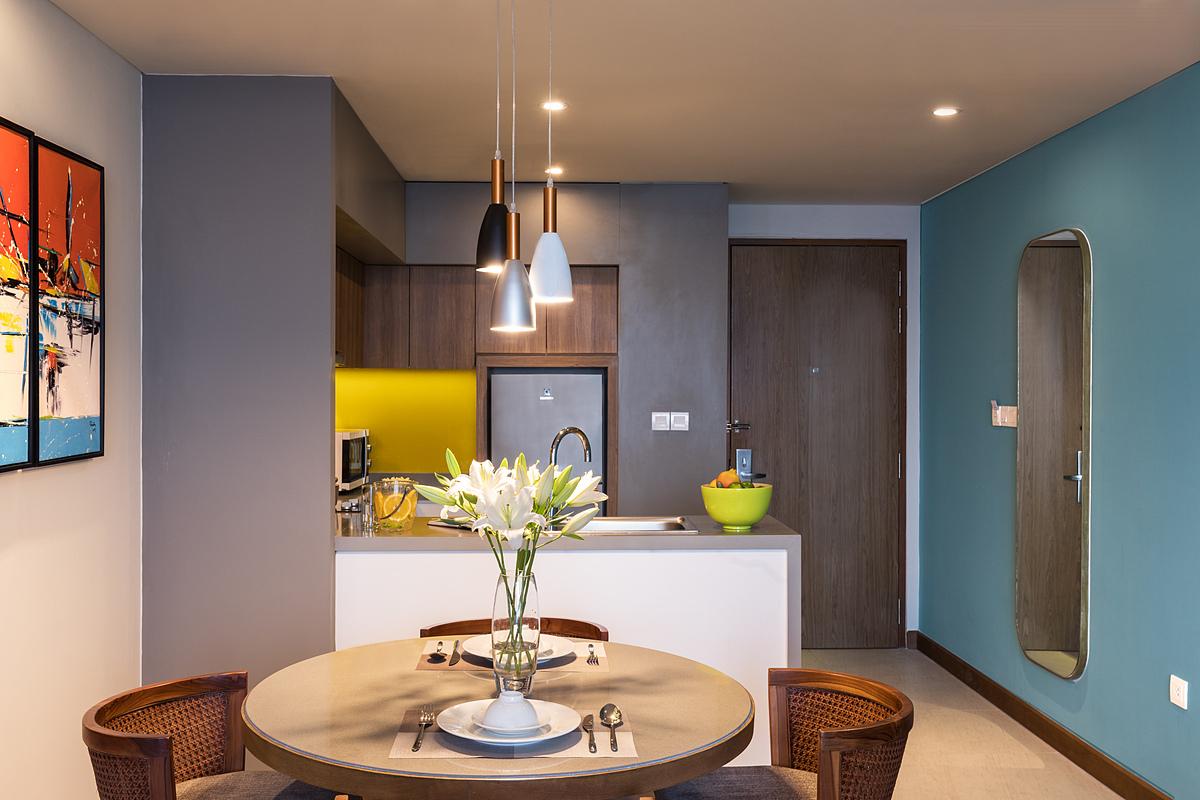 Không gian phòng sinh hoạt chung cho gia đình trong căn hộ một phòng ngủ đầy đủ tiện nghi.