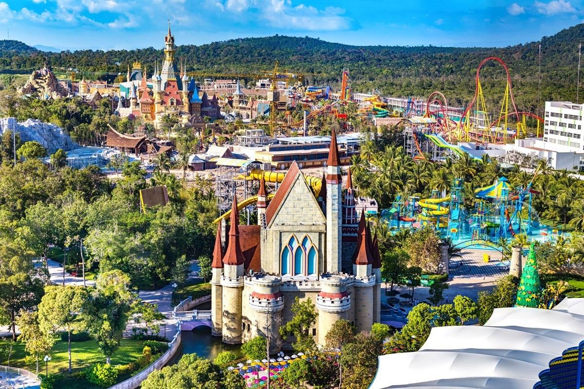 Khu vui chơi, công viên nước trong quần thể nghỉ dưỡng. Ảnh: Shutterstock.