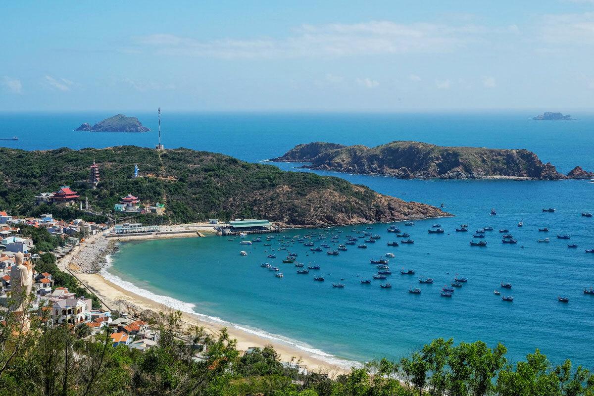 Sau giãn cách xã hội thì nhu cầu du lịch biển tăng cao (67%), tiếp theo là nhu cầu du lịch thiên nhiên (56%) với các khu nghỉ dưỡng trên núi và khu du lịch sinh thái. Ảnh: Hương Chi.