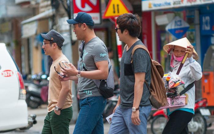 Khách Hàn Quốc ở Việt Nam. Ảnh:Shutterstock.