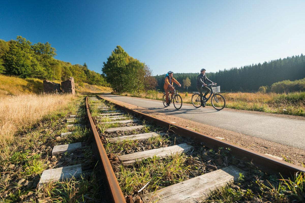 Giao thông trên tuyến Vennbahn bắt đầu giảm dần vào những năm 1930. Năm 1940, Hitler một lần nữa sáp nhập lại lãnh thổ và Vennbahn thuộc về Đức. Đến năm 1945, sau thất bại của Đức, tuyến đường này lại về tình trạng ban đầu. Ảnh:Outdooractive.