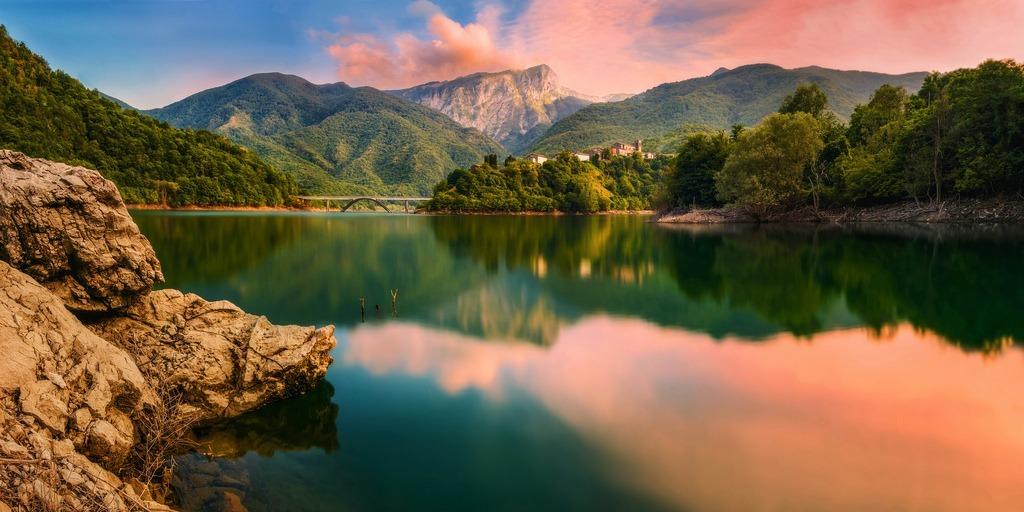 Phong cảnh hồ Vagli
