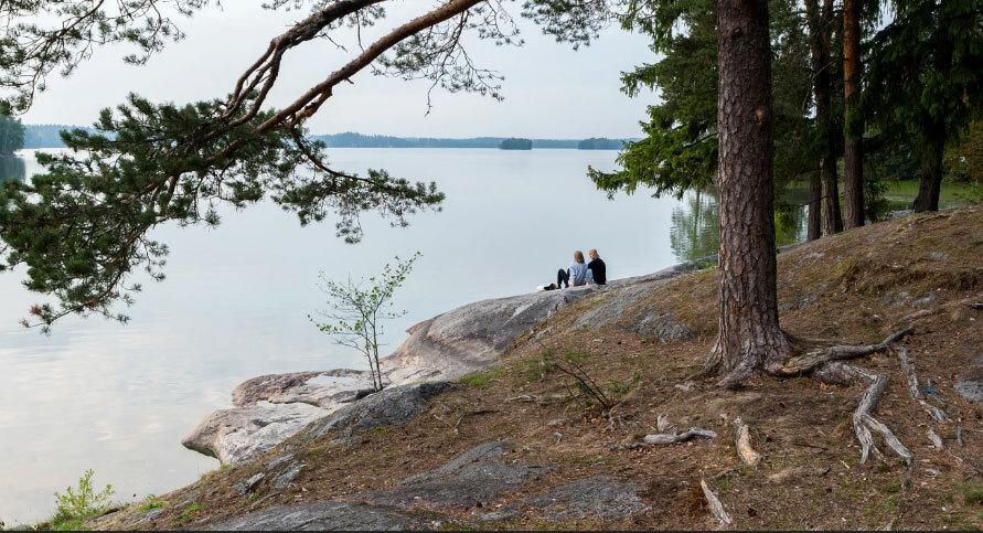 Khu vực cắm trại quanh hồ Bodom. Ảnh: Ephotozine.