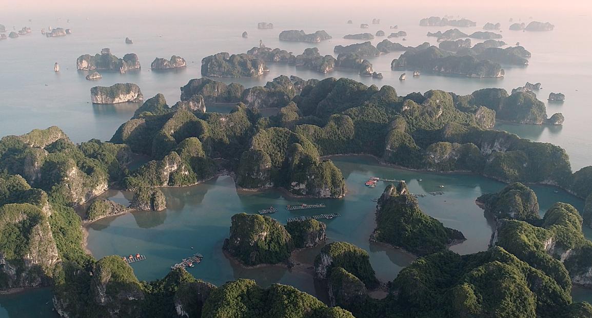 Một góc vịnh Lan Hạ. Ảnh: P. H