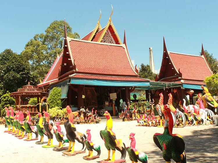 Ngôi chùa còn có tên gọi khác là Chùa Gà. Ảnh:Thailand Tourism Directory.
