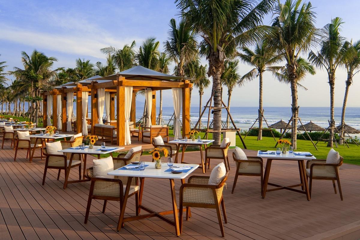 Nhà hàng ẩm thực ven biển.