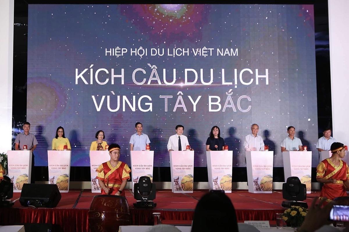 Chương trình nhằm cụ thể hóa mục tiêuthu hút du khách Việt Nam đi du lịch trong nước, góp phần cải thiện đời sống của đồng bào dân tộc trong vùng.