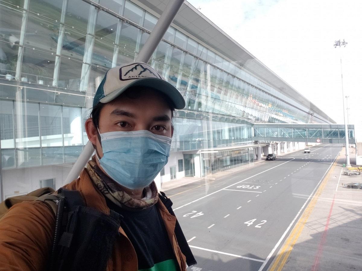 Hình ảnh đầu tiên của phượt thủ tại sân bay Nội Bài. Ảnh: Trần Đặng Đăng Khoa.