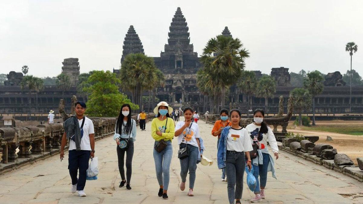 Campuchia là một trong những điểm đến hút khách ở Đông Nam Á, với ngôi sao chính là quần thể đền thờ Angkor được UNESCO công nhận là sản thế giới. Ảnh: Tang Chhin Sothy/AFP.