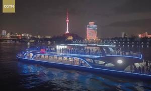 Bên trong du thuyền chạy bằng điện lớn nhất Trung Quốc