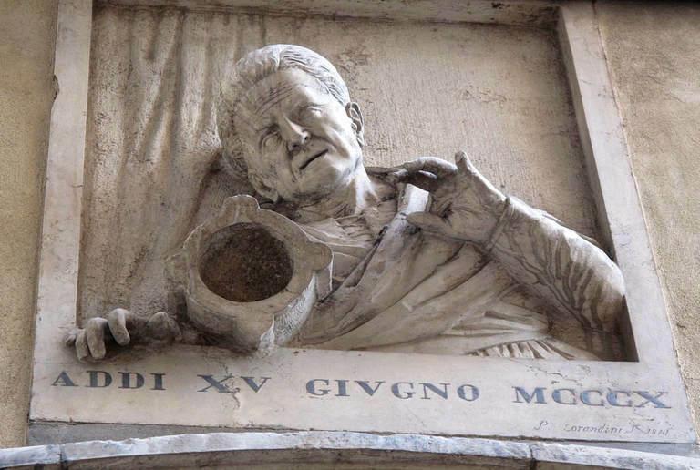 Tấm phù điêu tạc hình Giustina Rossi. Ảnh: Picturesfromitaly.