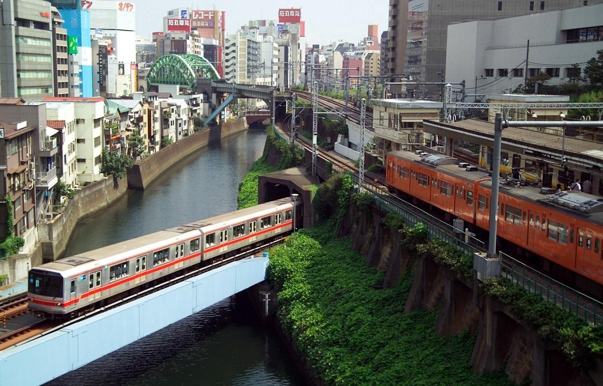 Một trong những thách thức lớn nhất với Tokyo Metro là giữ gìn hình ảnh của một trong những công ty đường sắt đúng giờ nhất trên thế giới. Ảnh: Travel Media.