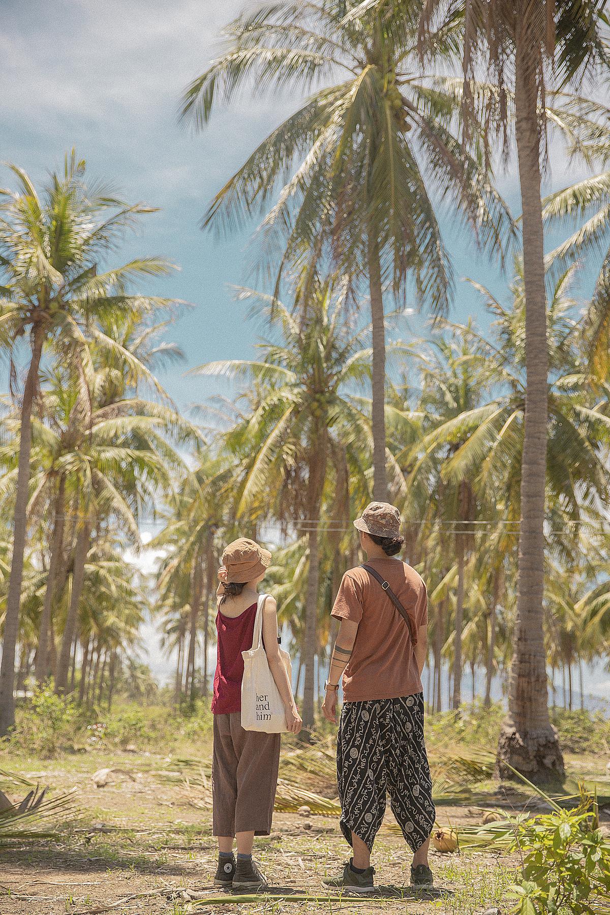 Cam Ranh vẫn còn hoang sơ, các khách sạn, resort đang xây dựng, không có quá nhiều lựa chọn lưu trú nên Thương chọn một homestay nhỏ, chủ nhà thân thiện. Khi đi chơi các đảo, 9X cùng bạn trai đặt tour của hướng dẫn viên địa phương để tiết kiệm chi phí hơn đi tự túc.
