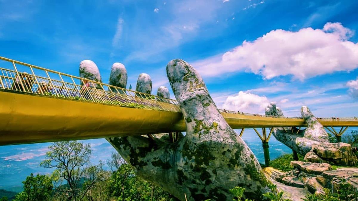 Sau một tháng thực hiện kích cầu nội địa, lượng khách nội địa tới Đà Nẵng tăng 85%. Ảnh: Lan Hương.