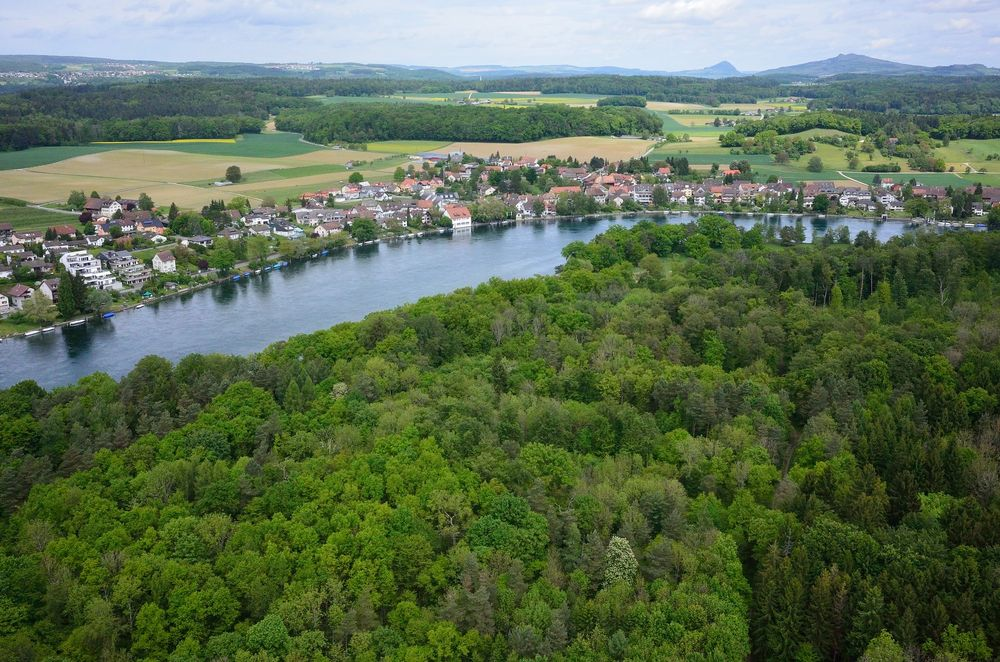Thị trấn nằm bên bờ sông Rhine. Ảnh: Donald Kaden/Flickr.