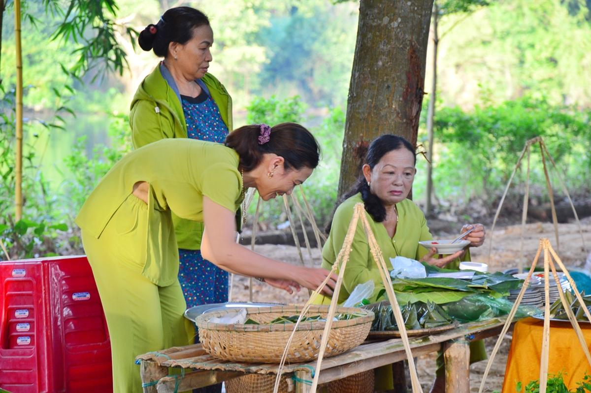 Nét dân dã ở phiên chợ Hương xưa làng cổ - 8