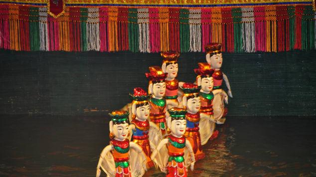 Tiết mục biểu diễn rối nước tại nhà hát múa rối Thăng Long. Ảnh: Courtesy Dennisg. Jarvis, Creative Commons.