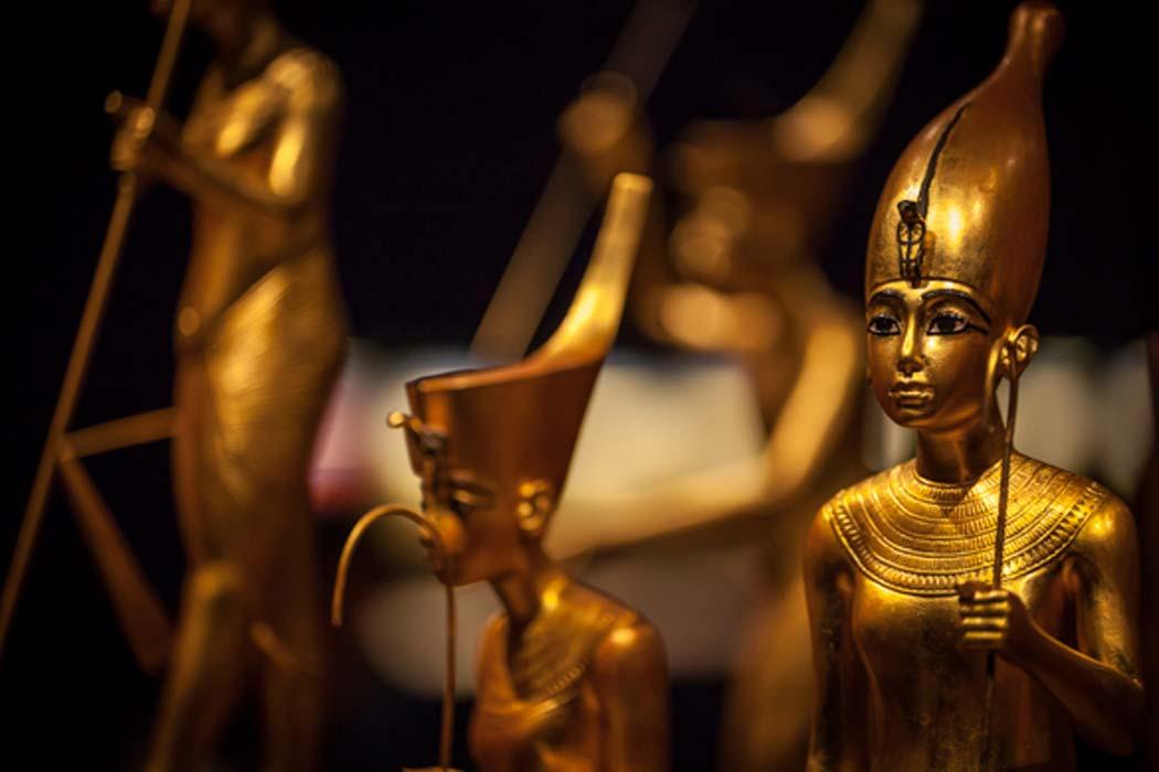 Nhiều người đã được tận mắt nhìn thấy mặt nạ xác ướp của vua Tut, nhưng không phải ai cũng có cơ hội nhìn thấy 5.000 cổ vật khác được khai quật lên từ lăng mộ của ông. Ảnh: Ancient-origins.