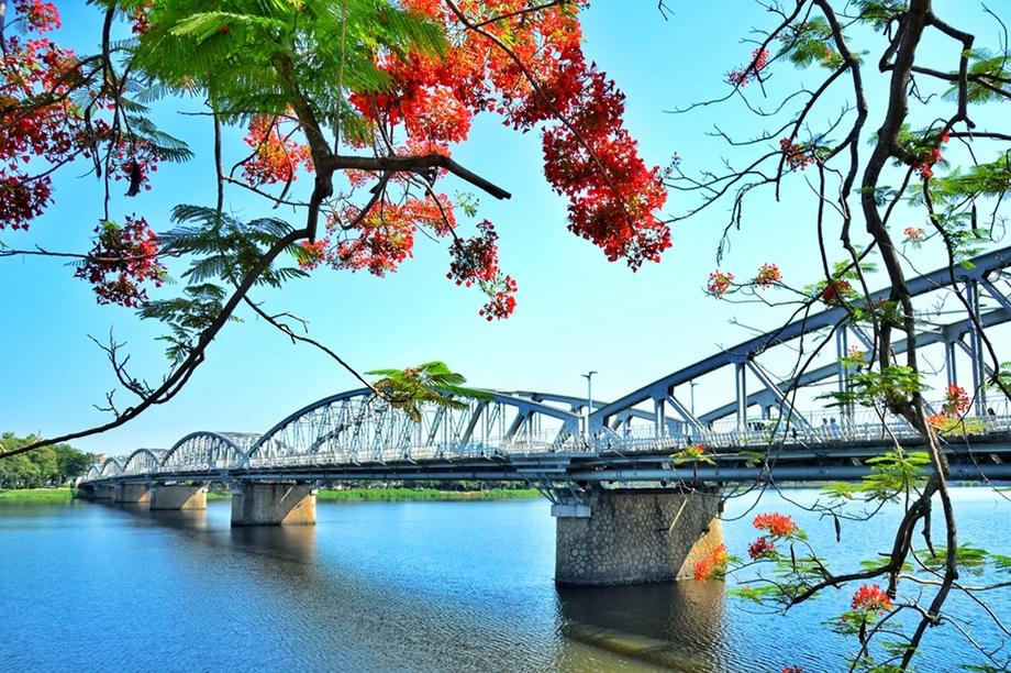 Vẻ đẹp sông Hương, cầu Trường Tiền ở Huế - VnExpress Du lịch