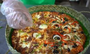 Pizza hộp lá dứa - cứu cánh thời Covid-19