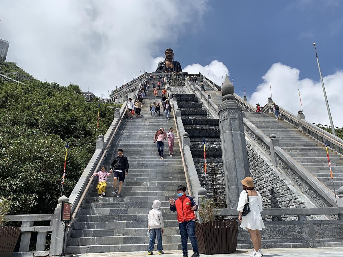 Sa PaPhòng văn hóa thông tin Tổng của 2 ngày nghỉ lễ tại Sapa là 3992 lượt. Trong đó, ngày 1/9 là 1410 lượt, ngày 2/9 là 2582 lượt.