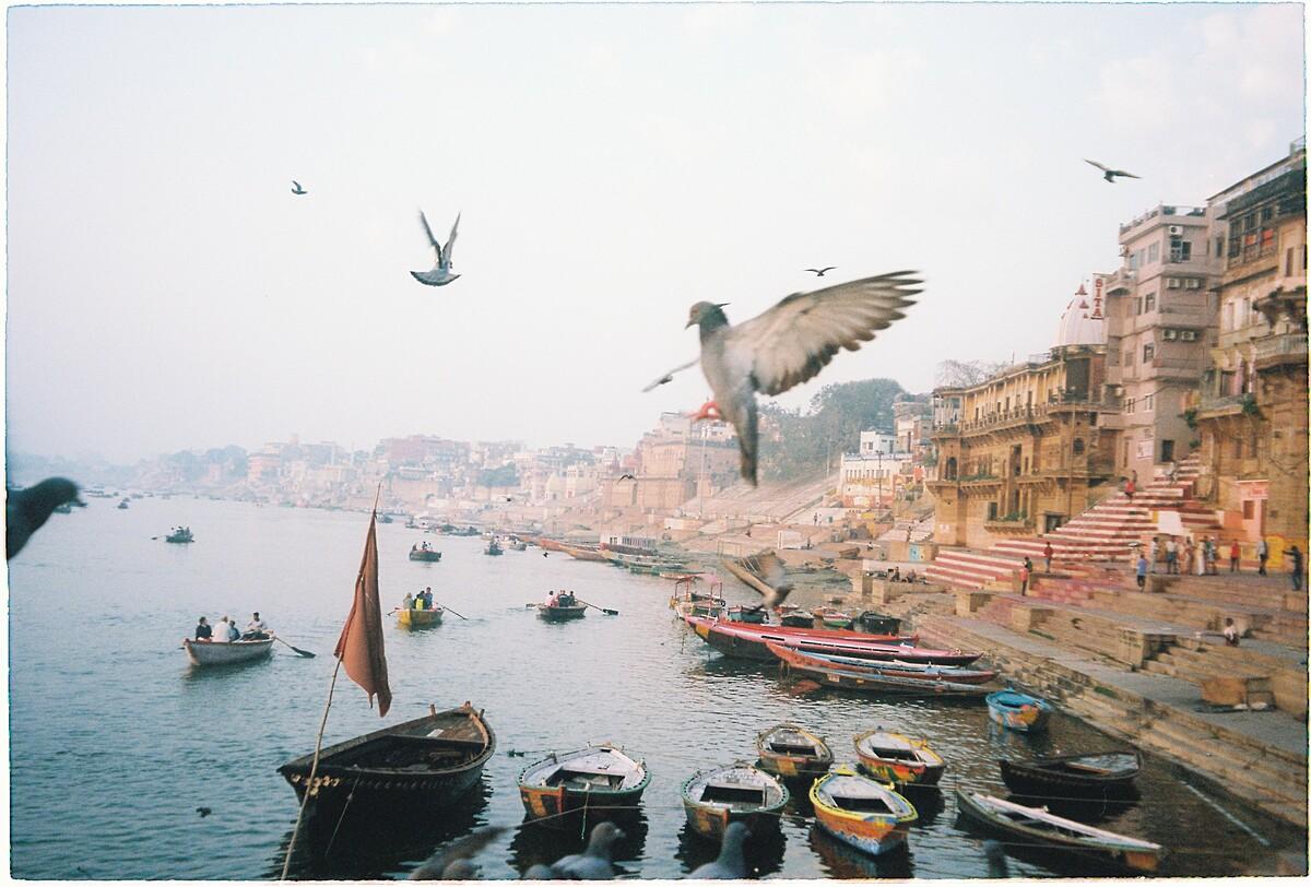 Vẻ đẹp yên bình bên dòng sông linh thiêng nhất Ấn Độ. Ảnh: Minh Đức
