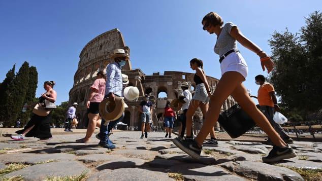 Hồi đầu năm, Italy từng là ổ dịch Covid-19 lớn trên thế giới, chỉ đứng sau Trung Quốc. Điều này khiến nhiều du khách đã hoãn kỳ nghỉ tới đây. Ảnh: CNN