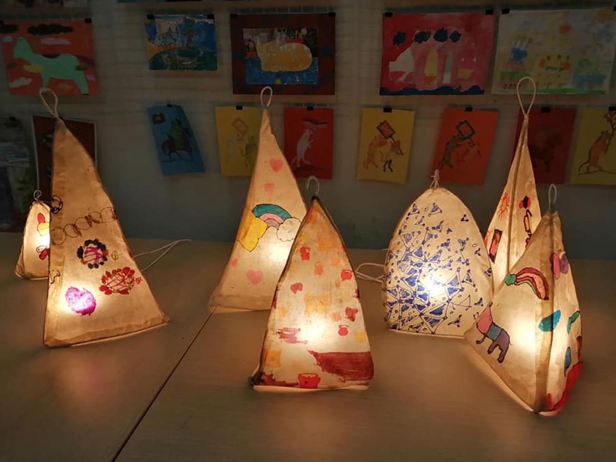 Một số sản phẩm của du khách tham gia sự kiện. Ảnh: Creative Space for Children