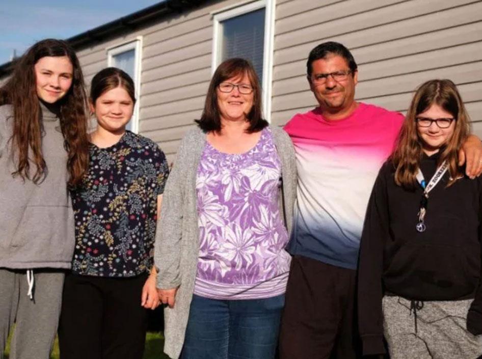 Gia đình 5 người nhà Cope. Ảnh: News