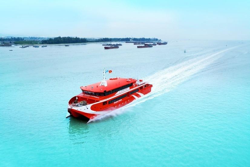 Tàu cao tốc là lựa chọn cho du khách ở các tỉnh lân cận muốn đến Phú Quốc. Ảnh: Phú Quốc Express.