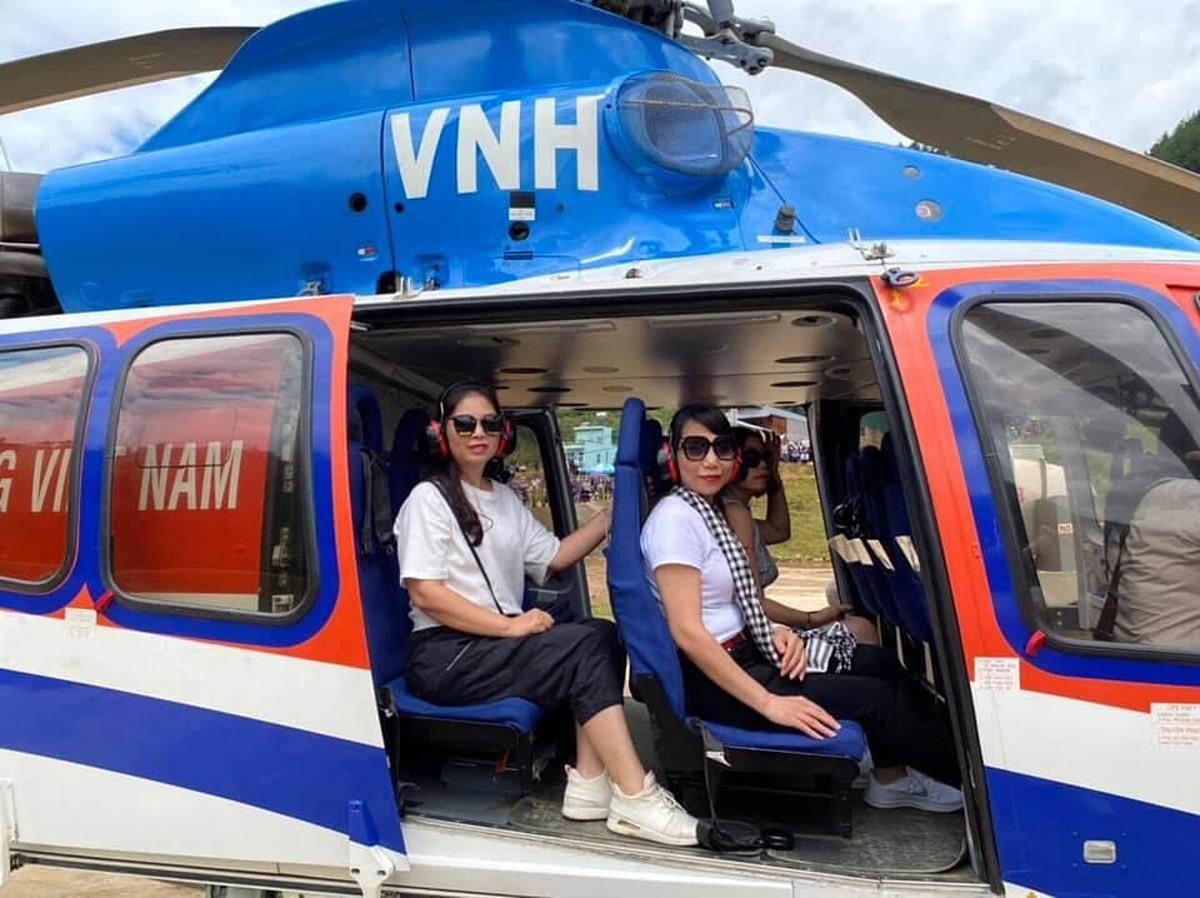 Những du khách đăng ký trải nghiệm dịch vụ hôm đoàn khảo sát.