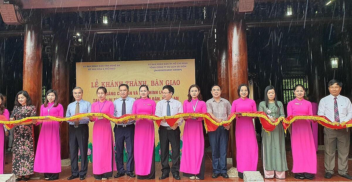 Lễ khánh thành bàn giao bốn hạng mục đầu tư tài trợ tại khu di tích Kim Liên, huyện Nam Đàn, diễn ra ngày 6/10 tại Nghệ An. Ảnh: