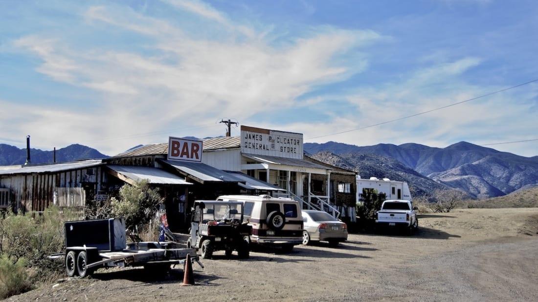 Quán bar trong thị trấn Cleator. Ảnh: Nic Lindh/Wikimedia Commons