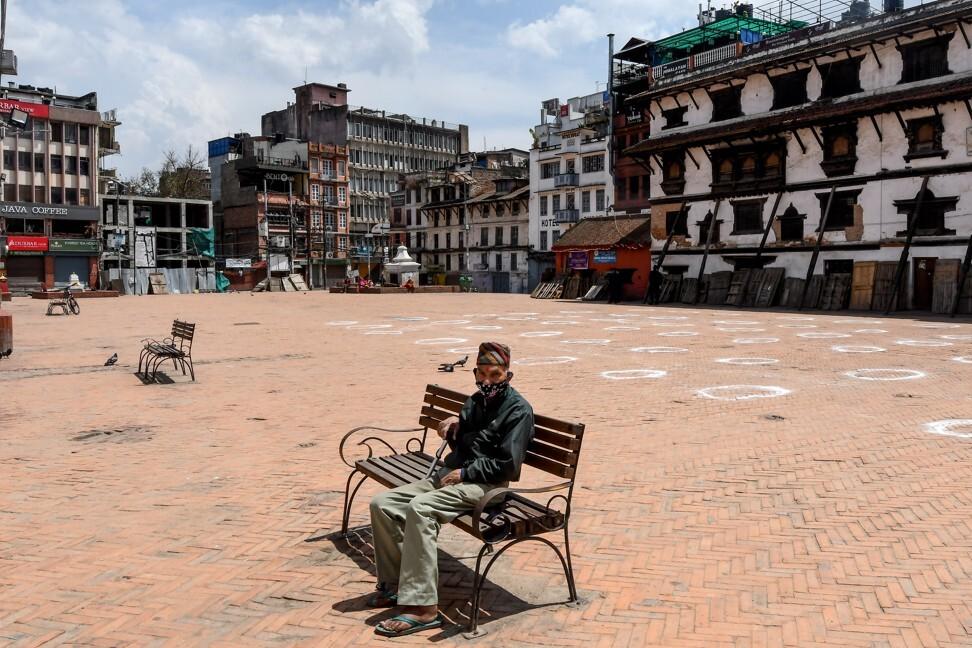 Quảng trường Durbar vắng tanh trong đại dịch ở Nepal. Ảnh: AFP