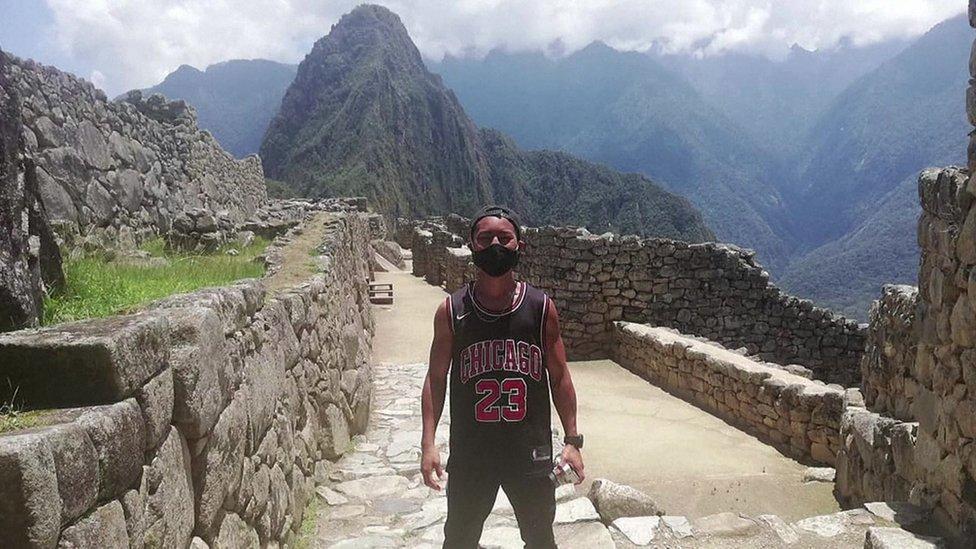 Jesse Takayama trở thành du khách duy nhất ở Machu Picchu trong ngày 10/10. Ảnh: Reuters