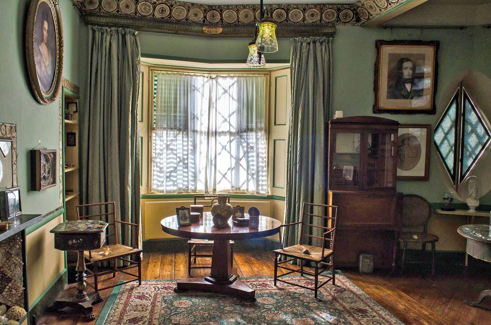 Các phòng trong căn nhà đều tràn ngập ánh sáng tự nhiên. Ảnh: Alison Day/Flickr