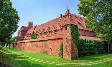 malbork-castle-3-8142-16054368-8748-9569-1605436932_380x228