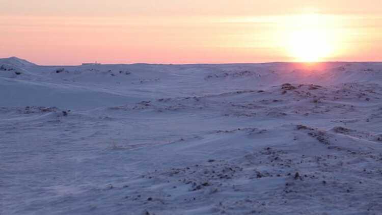 Trong hai tháng, thị trấn không nhìn thấy ánh sáng mặt trời và hiện tượng này được gọi là Đêm vùng cực Ảnh: One Square Mile.