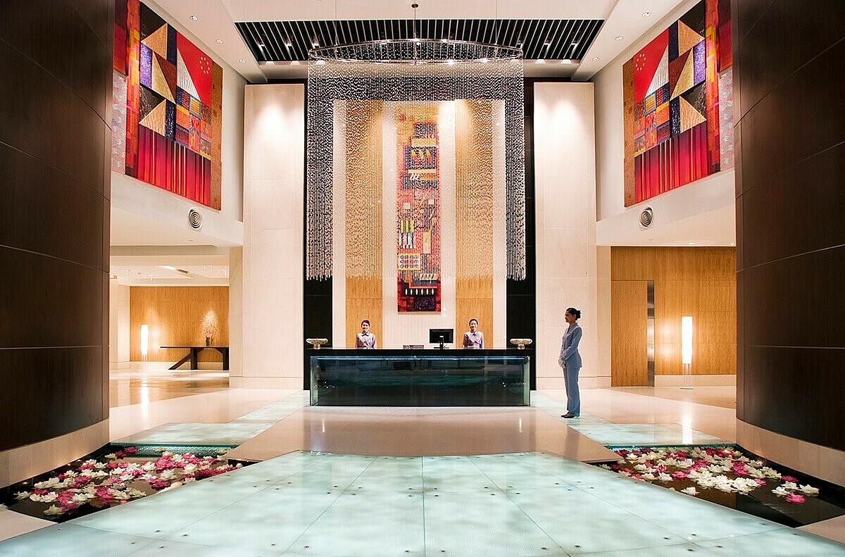 Nhiều điểm đến nổi tiếng ở Thái Lan, Maldives, Sri Lanka, Việt Nam, Oman, Qatar, Thái Lan, Lào, Myanmar, Trung Quốc, UAE và Nhật Bản... do Centara Hotels & Resorts vận hành và quản lý.