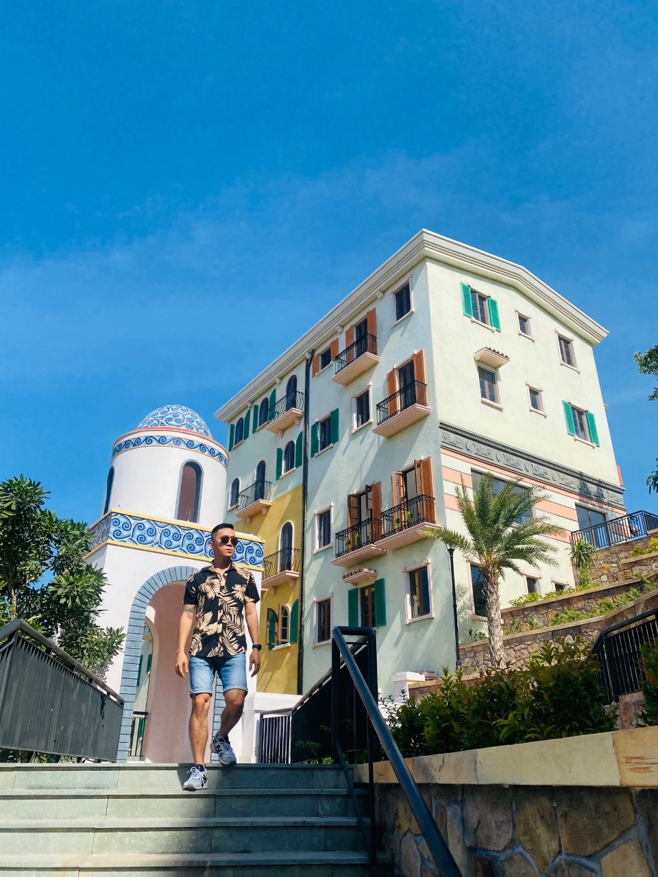 Travel blogger Hoàng Nam thăm nhiều khu nghỉ dưỡng tại Phú Quốc. Ảnh: Hoàng Nam..