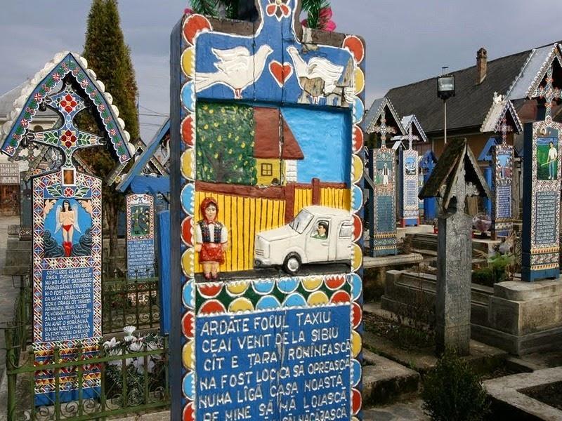 Sự độc đáo của nghĩa trang giữa hàng nghìn những nơi chôn cất bi thương khác trên thế giới đã thu hút sự quan tâm của du khách. Trước đại dịch, bất chấp vị trí địa lý xa xôi, cách thủ đô Bucharest gần 600 km, nghĩa trang Merry luôn là một trong những điểm du lịch hàng đầu của đất nước.