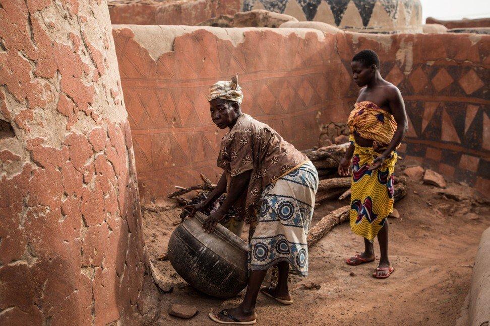 Năm 1984, quốc gia Tây Phi Upper Volta đổi tên thành Burkina Faso, có nghĩa là vùng đất của những người lương thiện. Ảnh: AFP