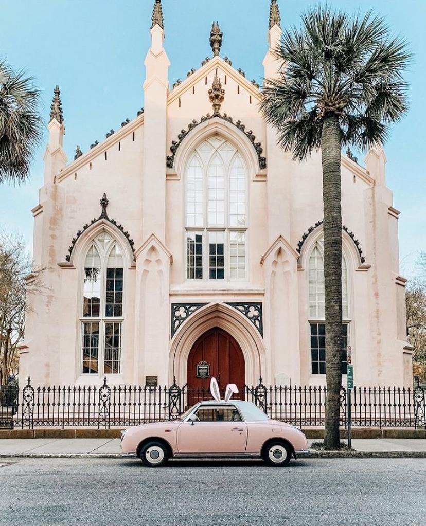Nhà thờ Huguanot tại Nam Carolina, Mỹ là nhà thờ theo kiến trúc Gothic Phục Hưng lâu đời nhất ở khu vực này. Nhà thờ được chứng nhận là một trong những Địa danh Lịch sử cấp quốc gia tại Mỹ. Ảnh: thepinkfiggy/instagram.