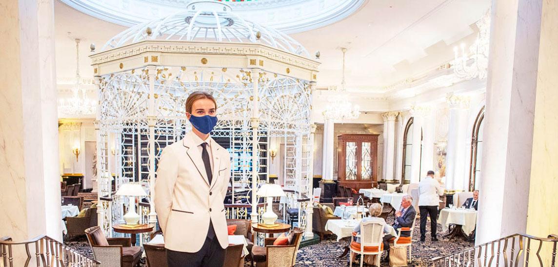 Trên TripAdvisor, giá phòng tại Savoy trong Covid-19 từ 700 USD. Ảnh: Savoy Hotel