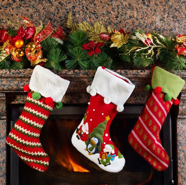 Vì sao trẻ em dùng tất để đựng quà Giáng sinh?